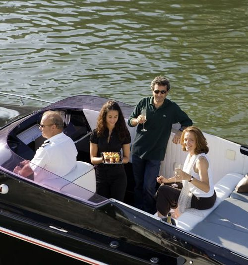 Black Swan - Paris Yacht Limousine