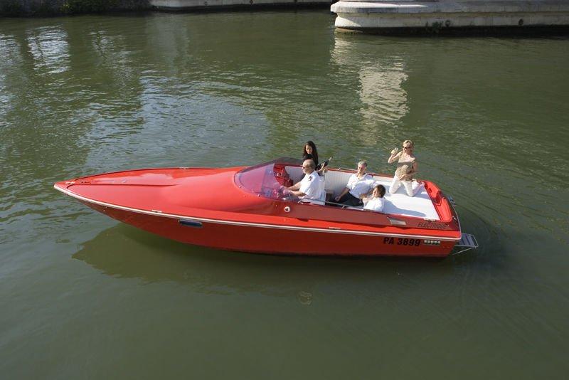Tom Cat - Paris Yacht Limousine